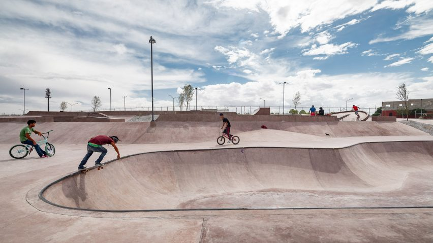 Skaters at La Duna