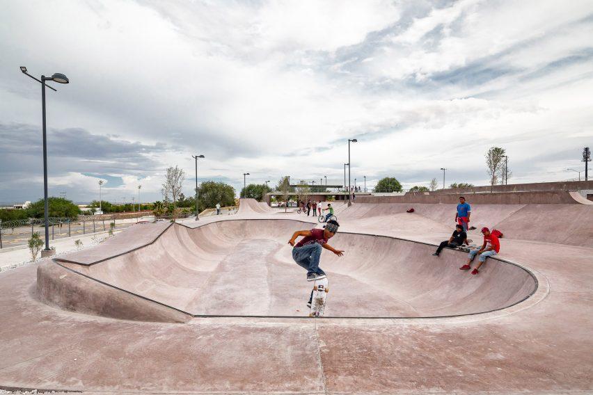 Skaters in La Duna