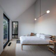 Ten minimalist bedrooms designed for serene sleep