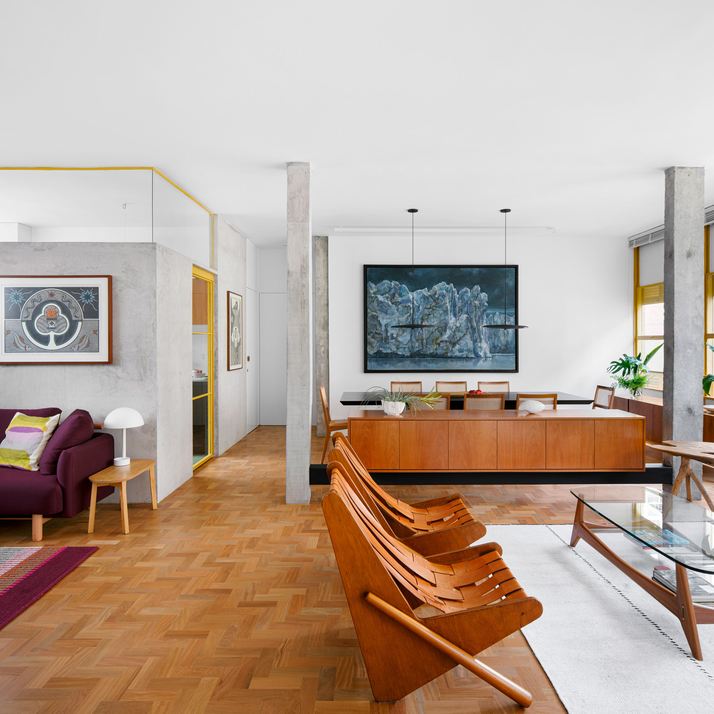 Living space in Louveira Apartment by Ana Sawaia
