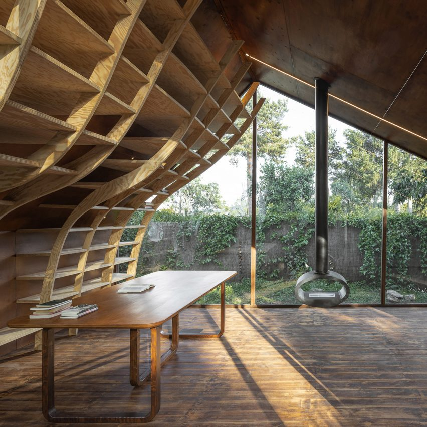Writer's cabin by Mudd Architects