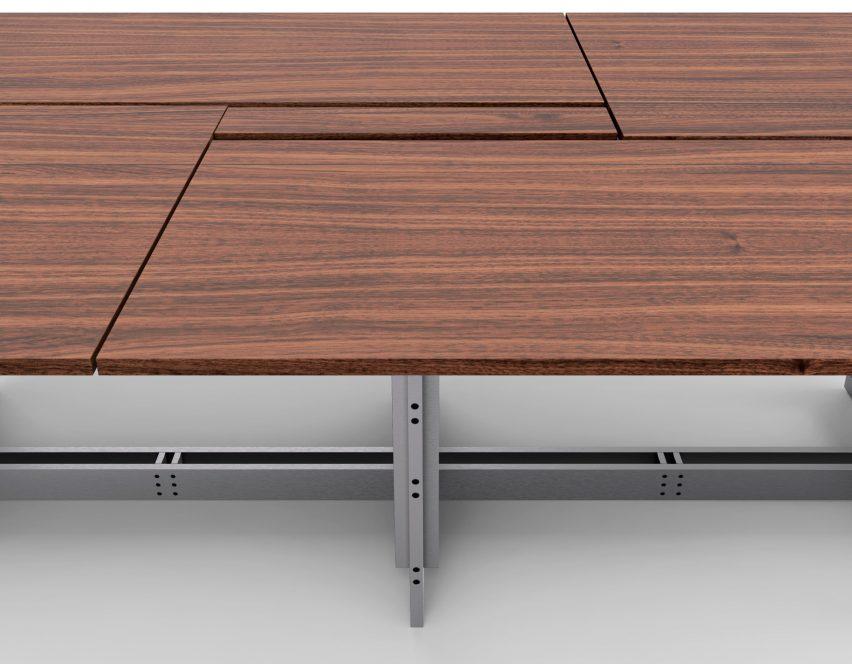 Фотография деревянного стола