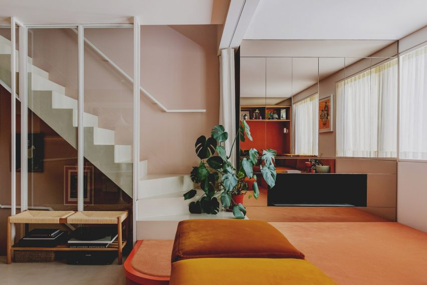 Pinks and oranges feature in the lounge
