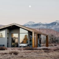 Weathering steel roof shelters Utah desert home by Studio Upwall Architects
