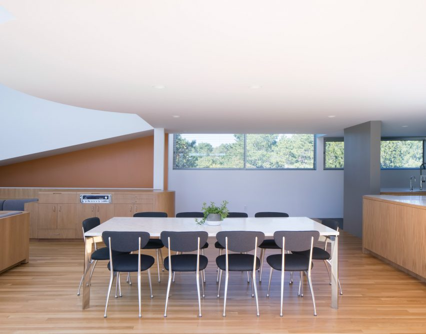 A dining space in the house by Worrell Yeung