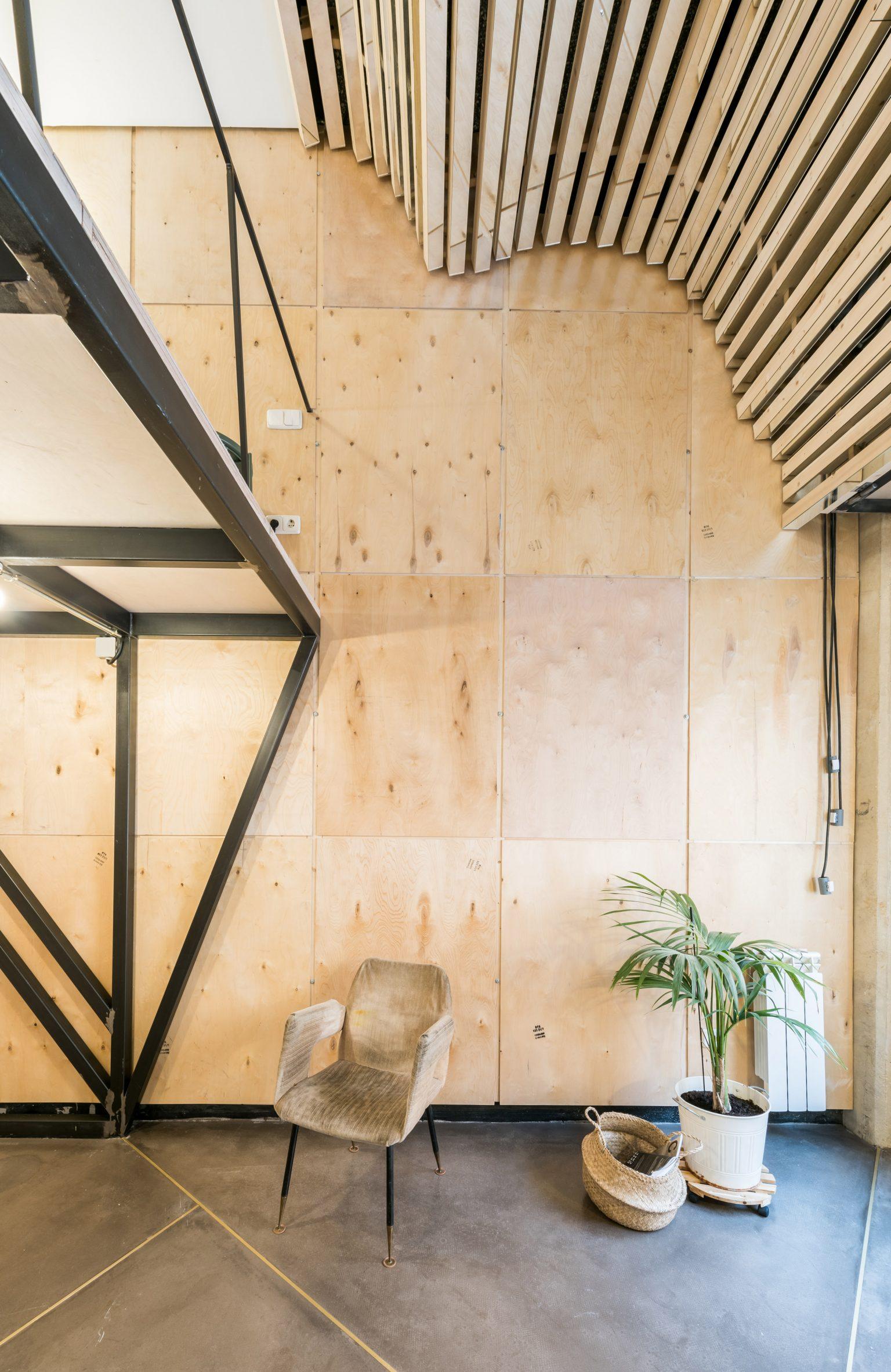 Wooden slats in Madrid flat