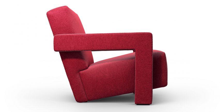 Вид сбоку на геометрический красный стул Геррита Томаса Ритвельда для Cassina