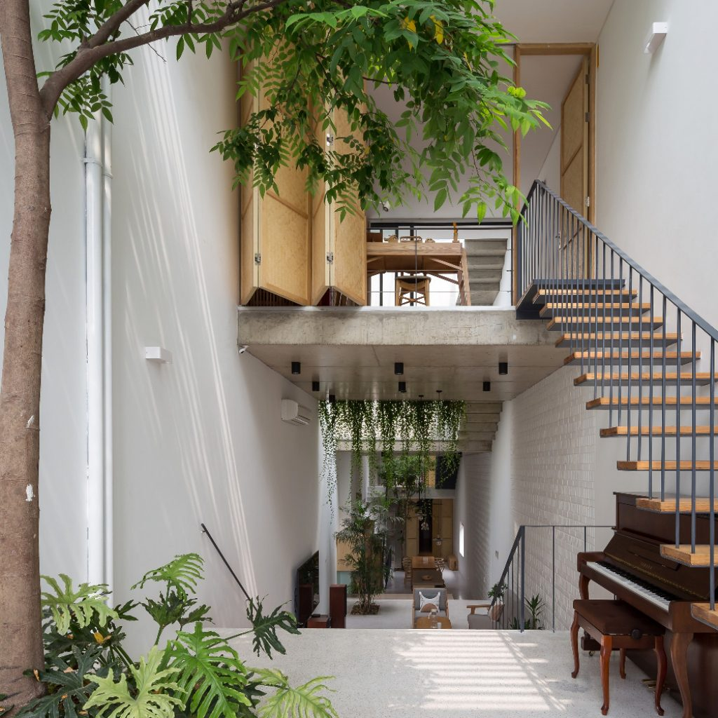Building by ODDO Architects