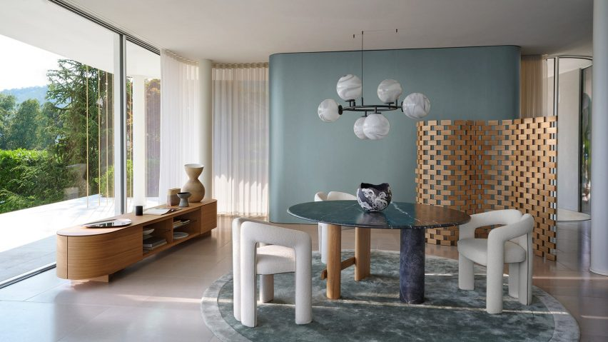 Wooden screen by Cassina in a dining room