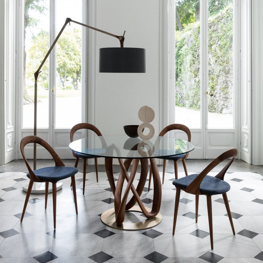 Chair with wooden base