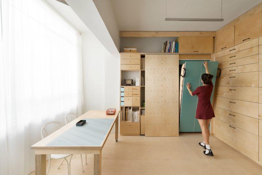 Tel Aviv apartment, Israel, by Ranaan Stern