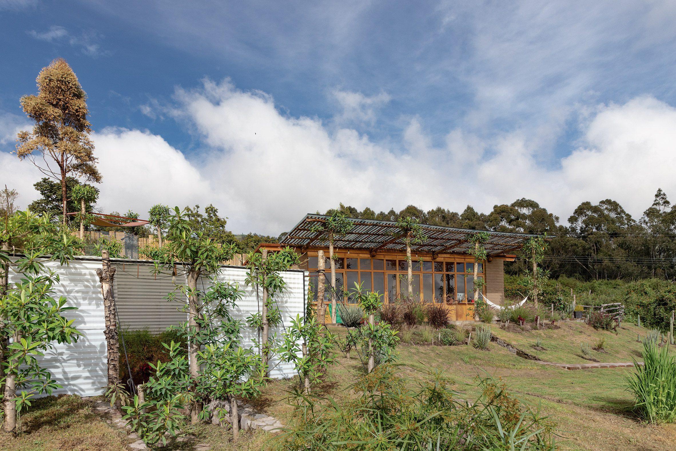 Casa Jardin oleh Al Borde di Ekuador