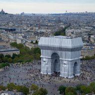 Crowds around L'Arc de Triomphe Wrapped