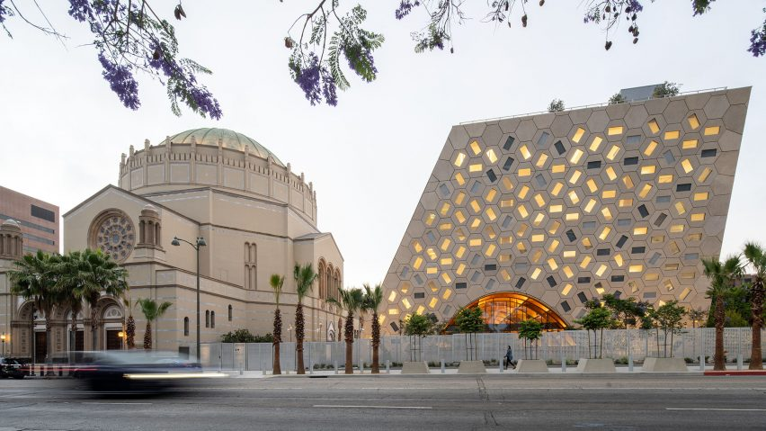 Audrey Irmas Pavilion by OMA