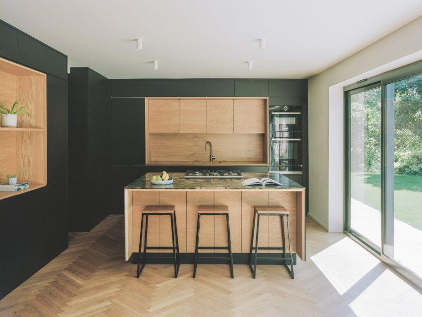 Кухня Bawa House от Alter & Company