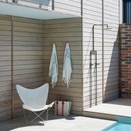 Pool shower at Broadway project by Foomann