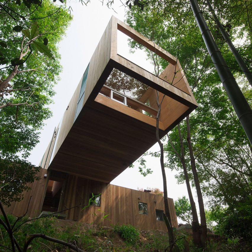+ узел - деревянный дом в префектуре Хиросима, Япония