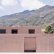 The concrete exterior of the Music School of Bressanone by Carlana Mezzalira Pentimalli
