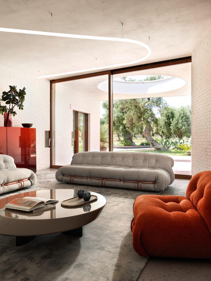 Фотография Сорианы, набор сидячих мест.
