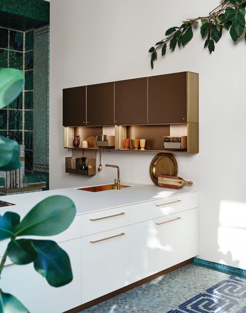 Dressup is placed above kitchen worktop