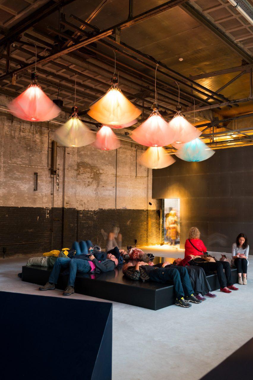 Инсталляция на Голландской неделе дизайна
