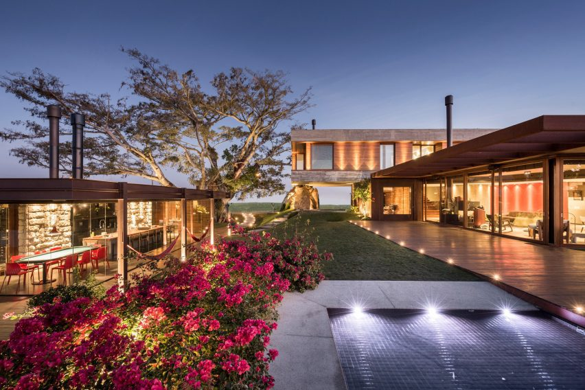 Fig House by Stemmer Rodrigues