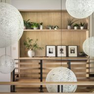 Stairwell in Living room in Flatirons Residence by Tumu Studio
