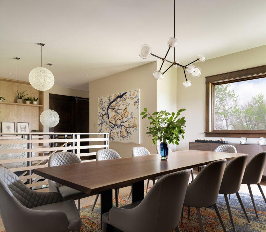 Dining room in Living room in Flatirons Residence by Tumu Studio