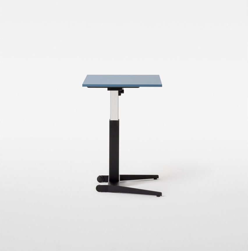 A photograph of the height-adjustable Follow Me table by Mara