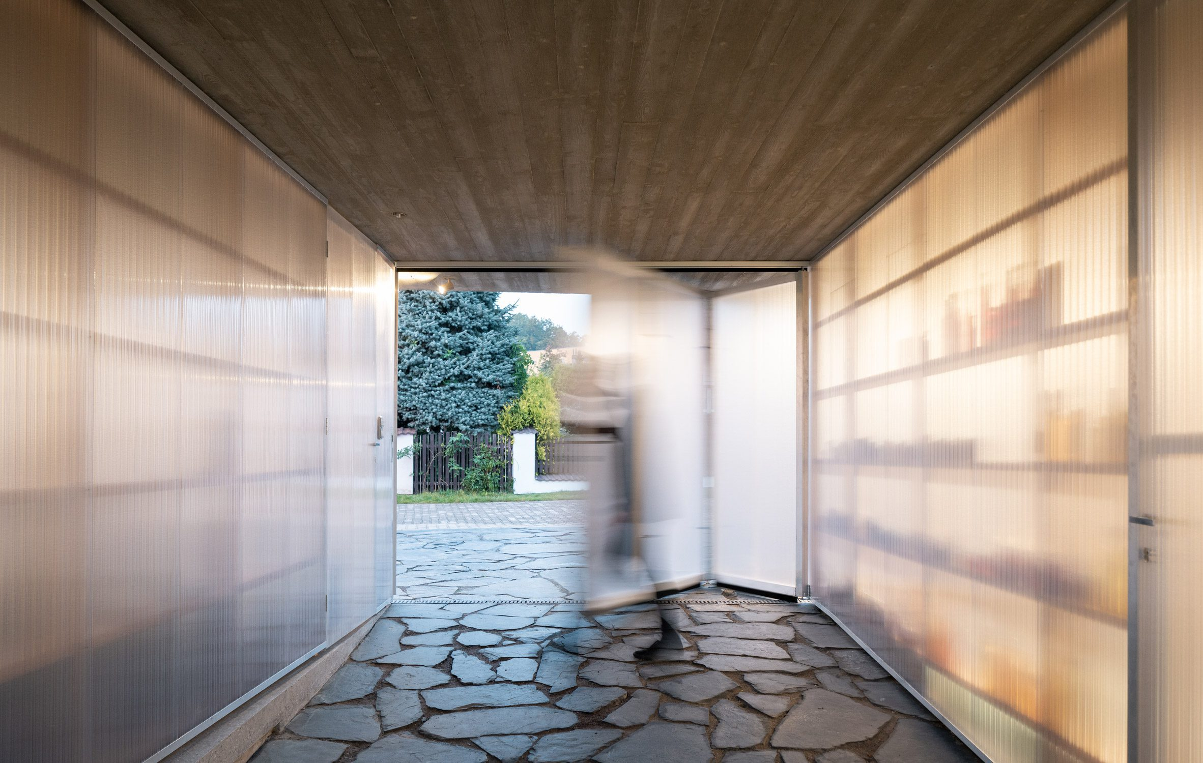Стены из поликарбоната