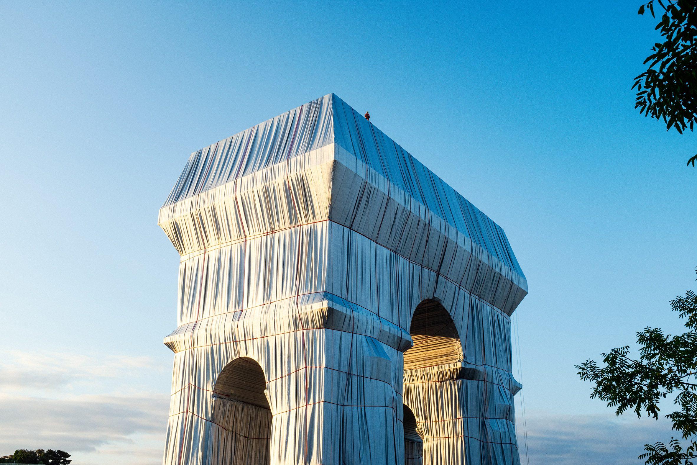 L'Arc de Triomphe Wrapped by Christo