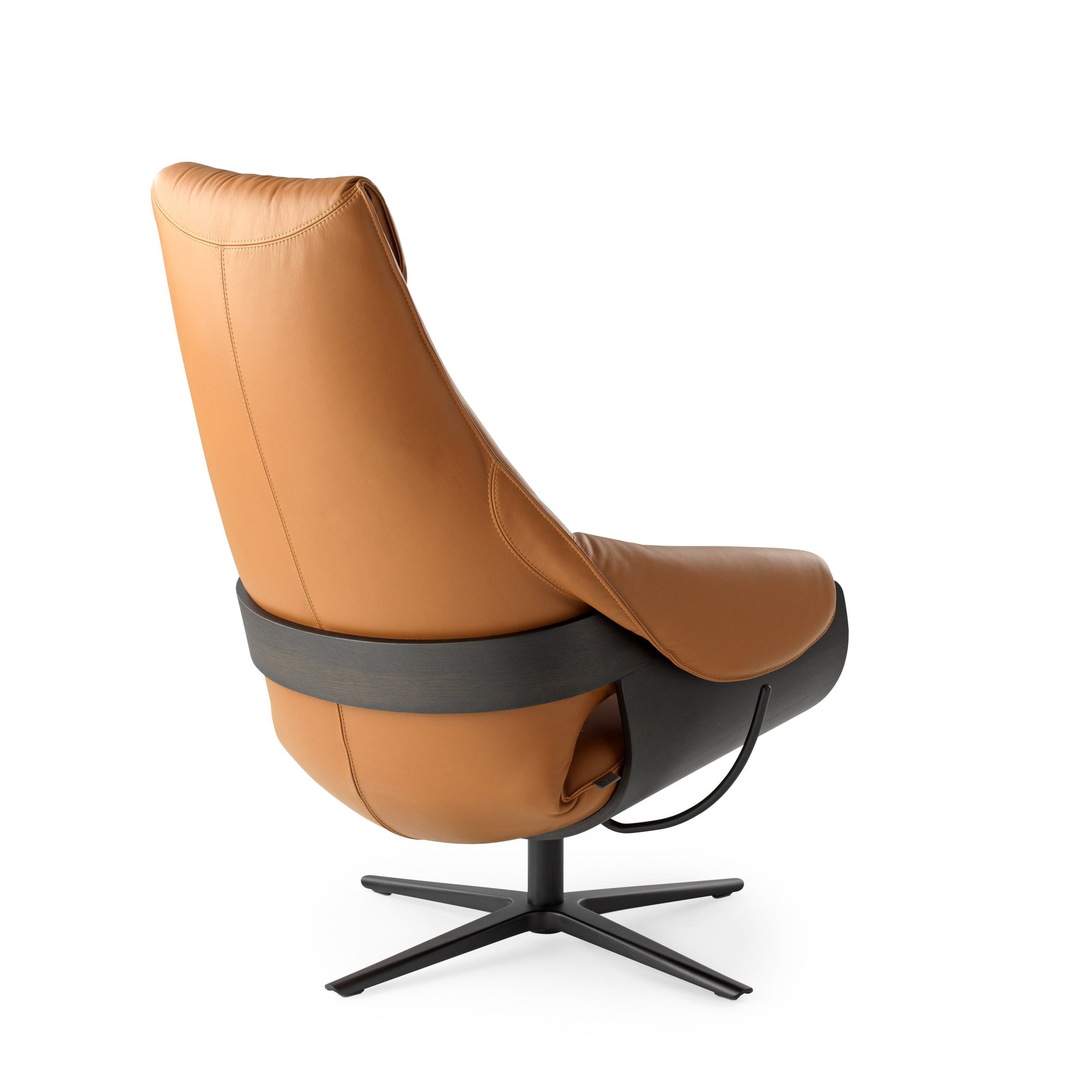 LXR10 armchair by Studio Truly Truly for Leolux LX tan leather and black stained shell rear view