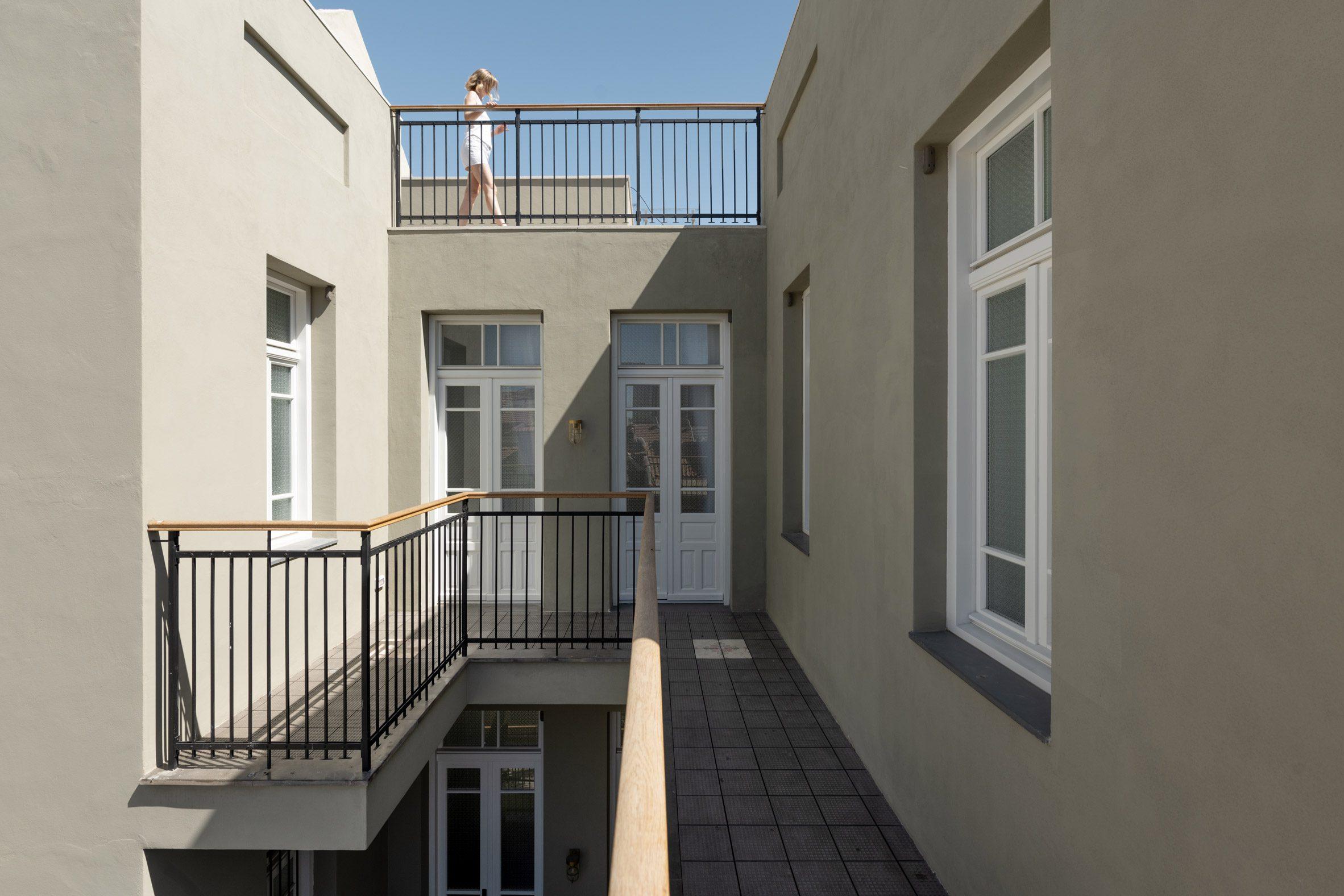 Balconies of Neve Tzedek Patio House by Meirav Galan