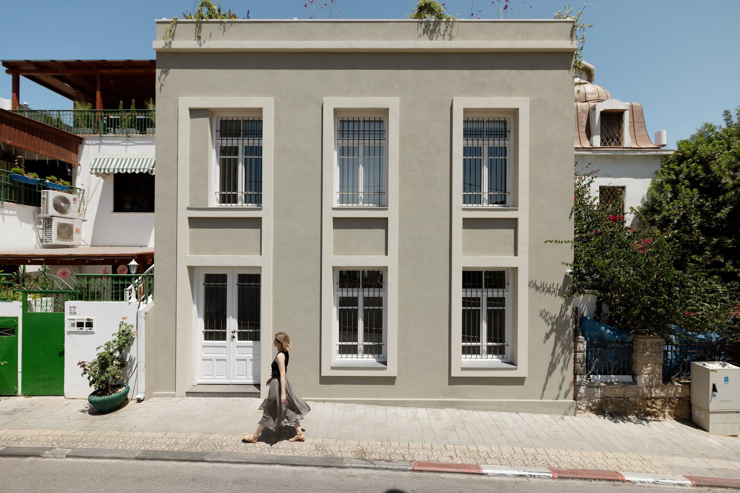 Facade of Neve Tzedek Patio House by Meirav Galan