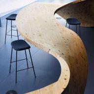 "Snøhetta organises Pangaea co-working space in Tokyo around ""super furniture"""