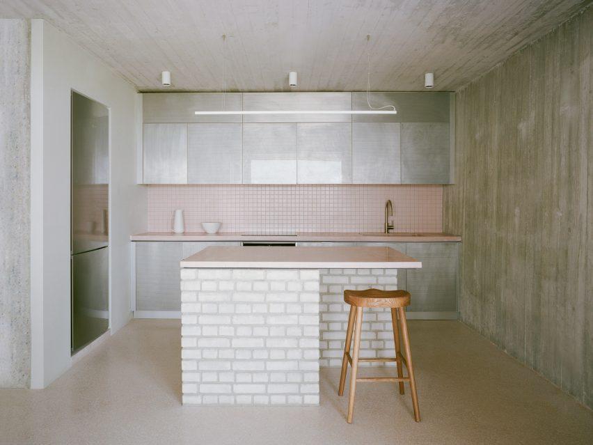 τσιμεντένια κουζίνα τοίχου
