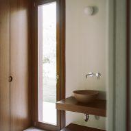 Bathroom of St Minas House by Neiheiser Argyros
