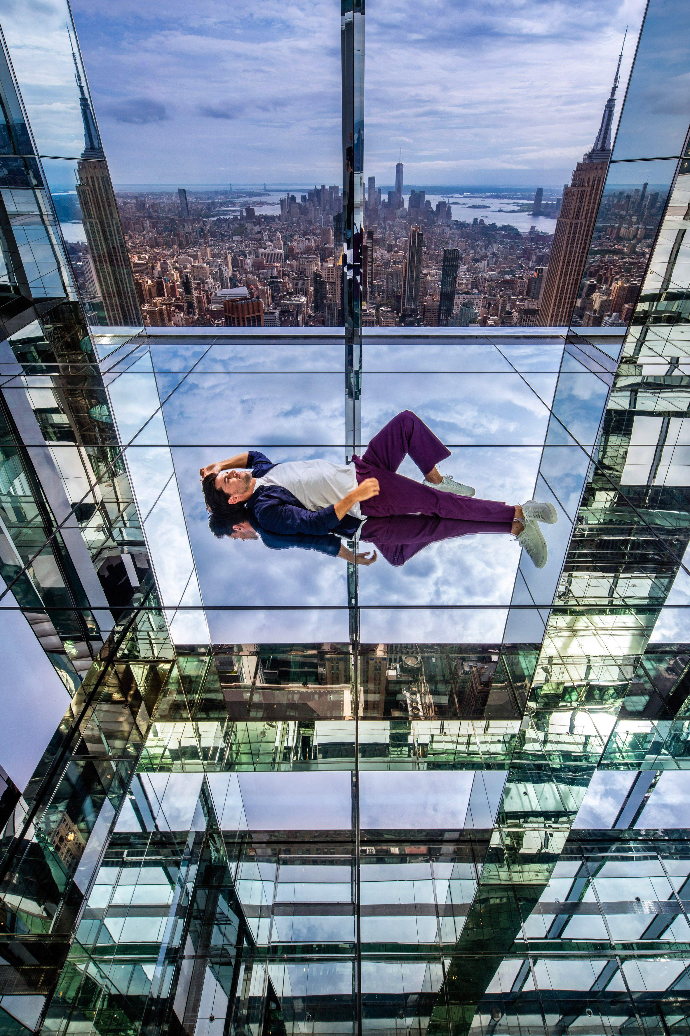 Refleksi tak terbatas Manhattan di Air