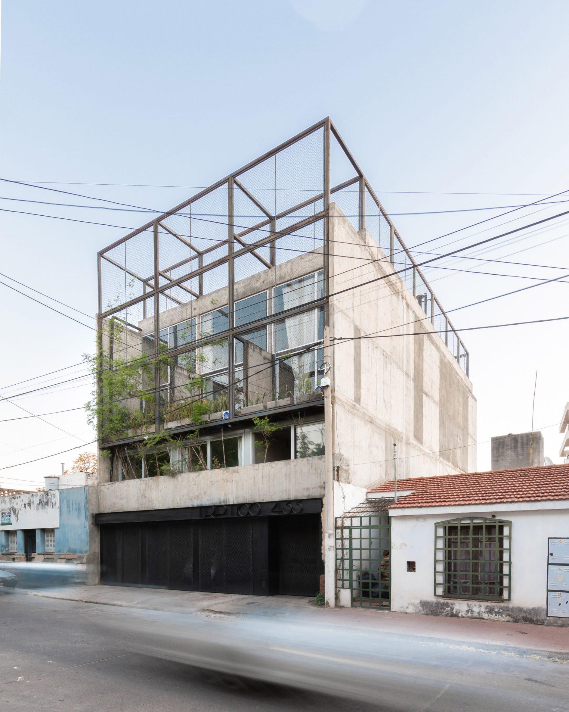 Architects Mariela Marchisio, Cristián Nanzer and Germán Margherit designed The Tríptico Building