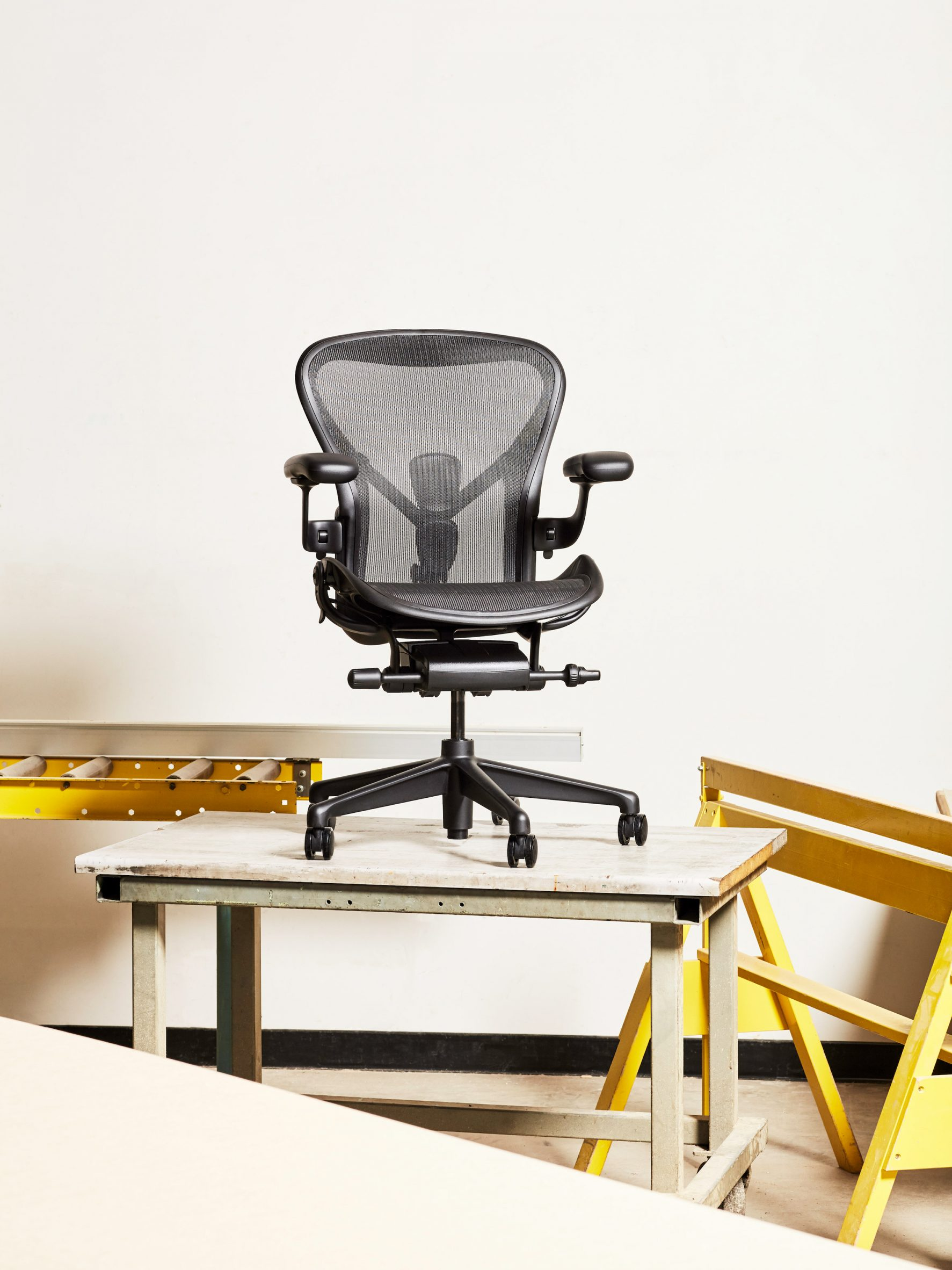 An office chair on top of a desk