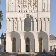 Kengo Kuma to add contemporary entrance to gothic cathedral in Angers