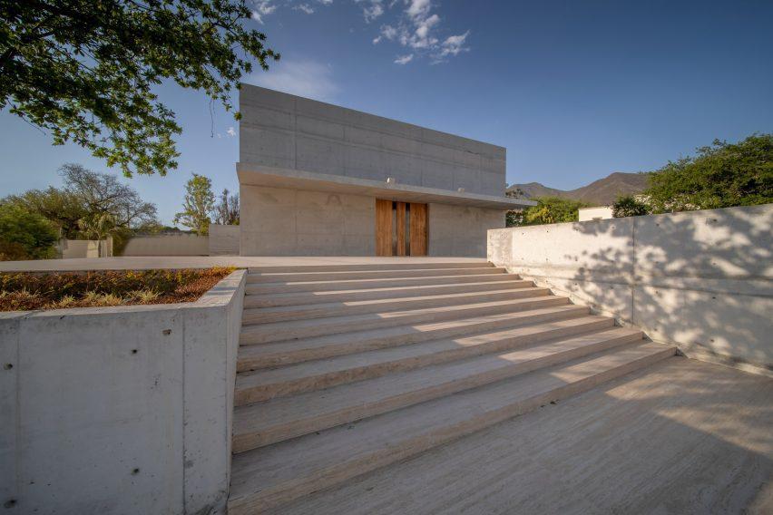 Concrete and travertine chapel