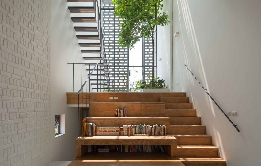Stairs in CH House by ODDO Architects