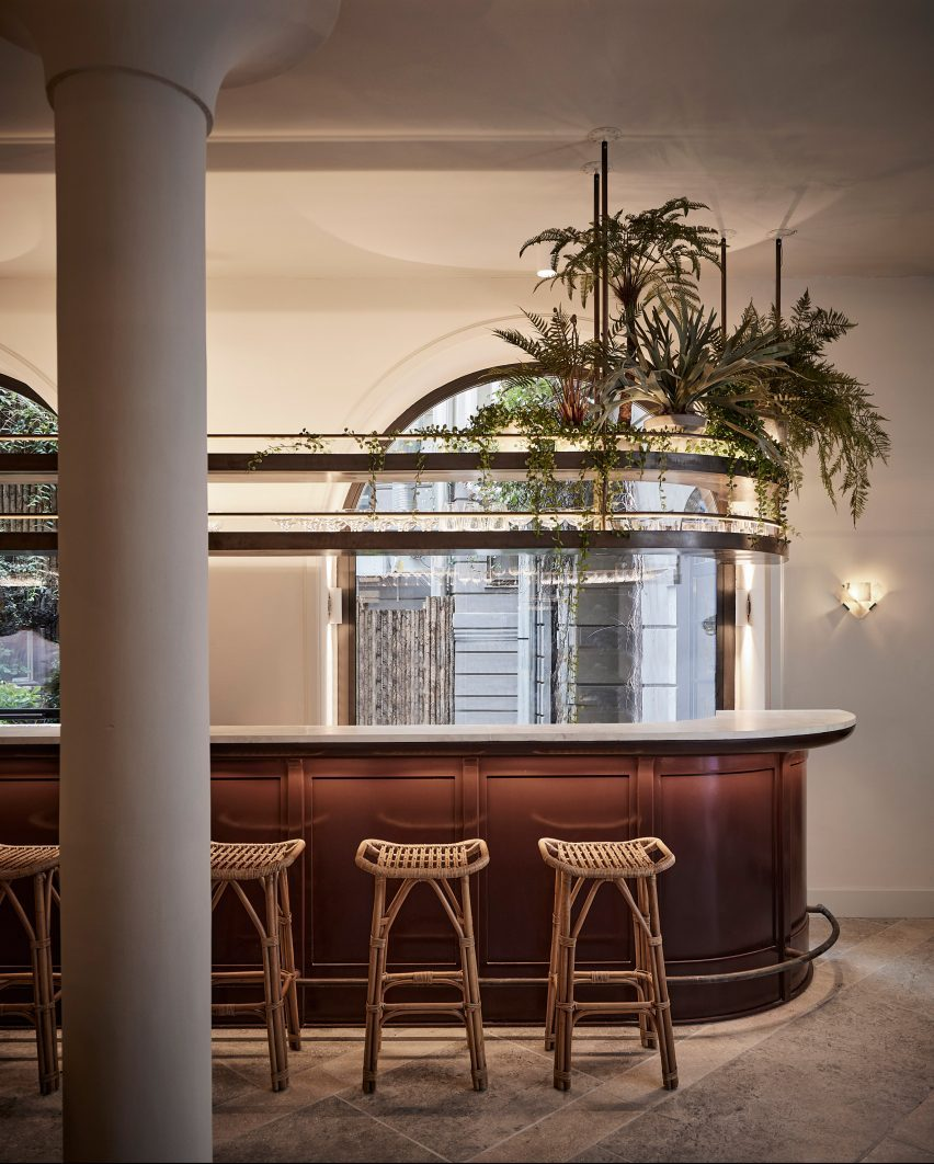 Bar in Esmée restaurant by Space Copenhagen