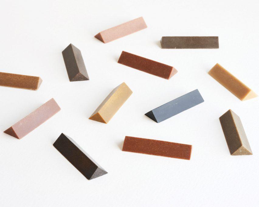 Krayon kayu berwarna