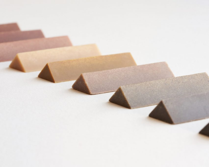 Krayon berbentuk segitiga
