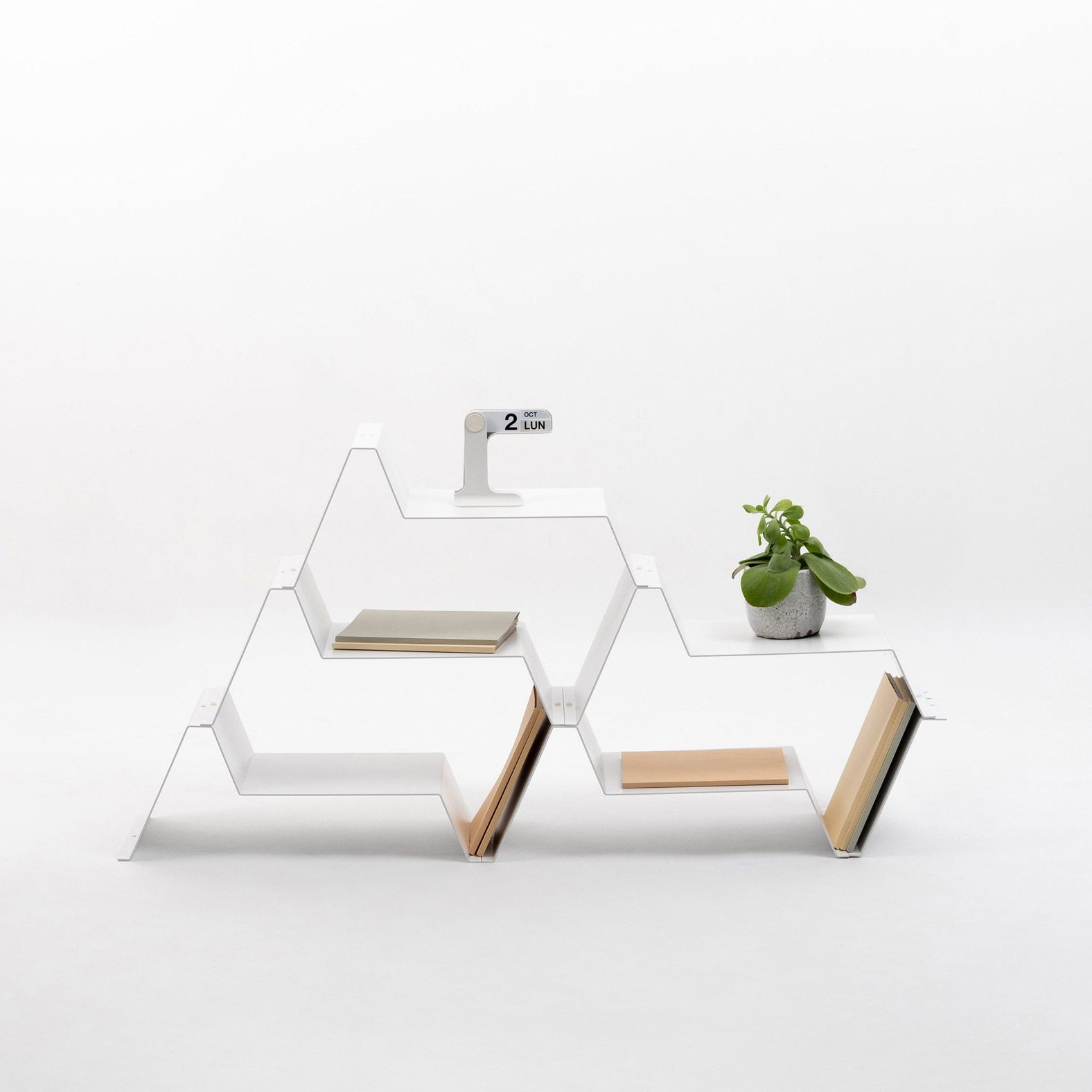 Jean Couvreur shelf for Kataba