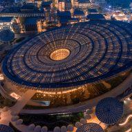 "Grimshaw tops Dubai Expo Sustainability Pavilion with giant ""energy tree"""