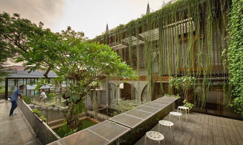 Plants surrounding Guha project