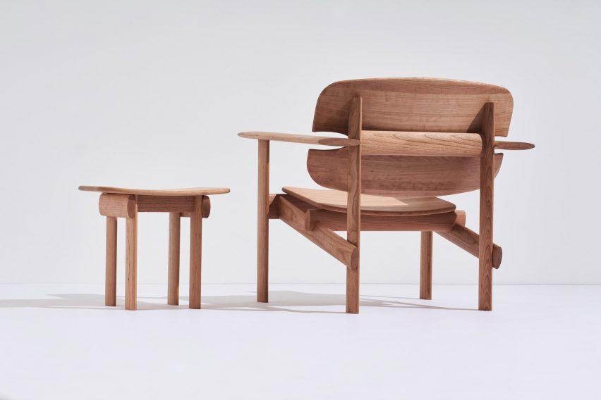 Стул и приставной столик Mac Collins Concur